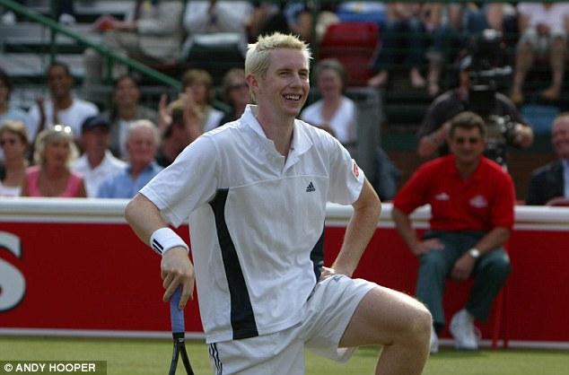 Novato: Marray anos atrás em uma partida contra Lleyton Hewitt no Queen's Club em 2004.