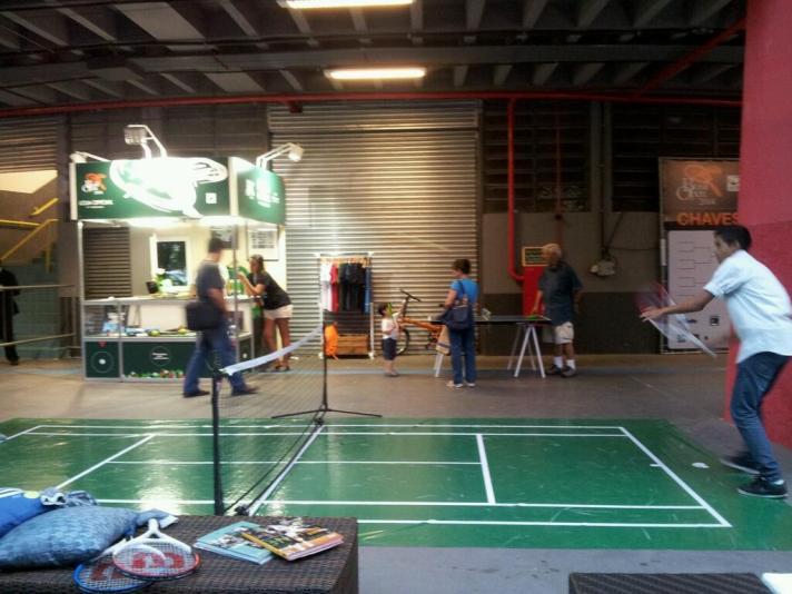 Mini-tênis, tênis de mesa e loja oficial do torneio.