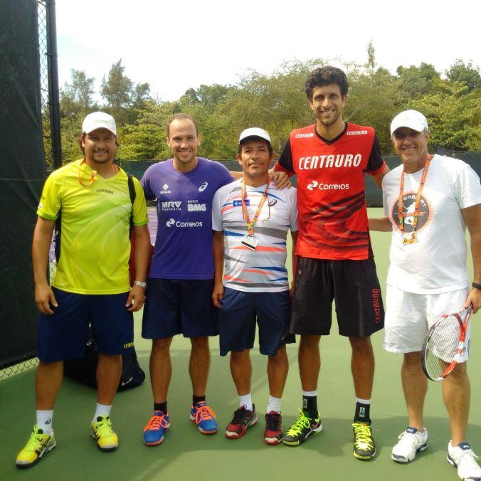 Daniel Melo, Bruno Soares, Paulo Santos, Marcelo Melo e Chriszogno Bastos em Miami